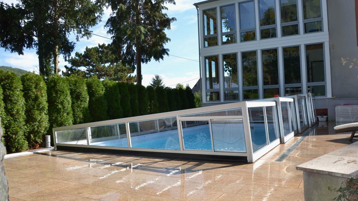 Newline Design Niedrig ~ Pools und Poolüberdachungen von ...
