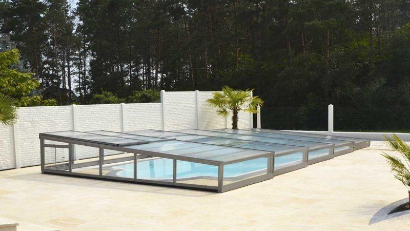 Newline Design Niedrig Poolüberdachung von Wallnerpool