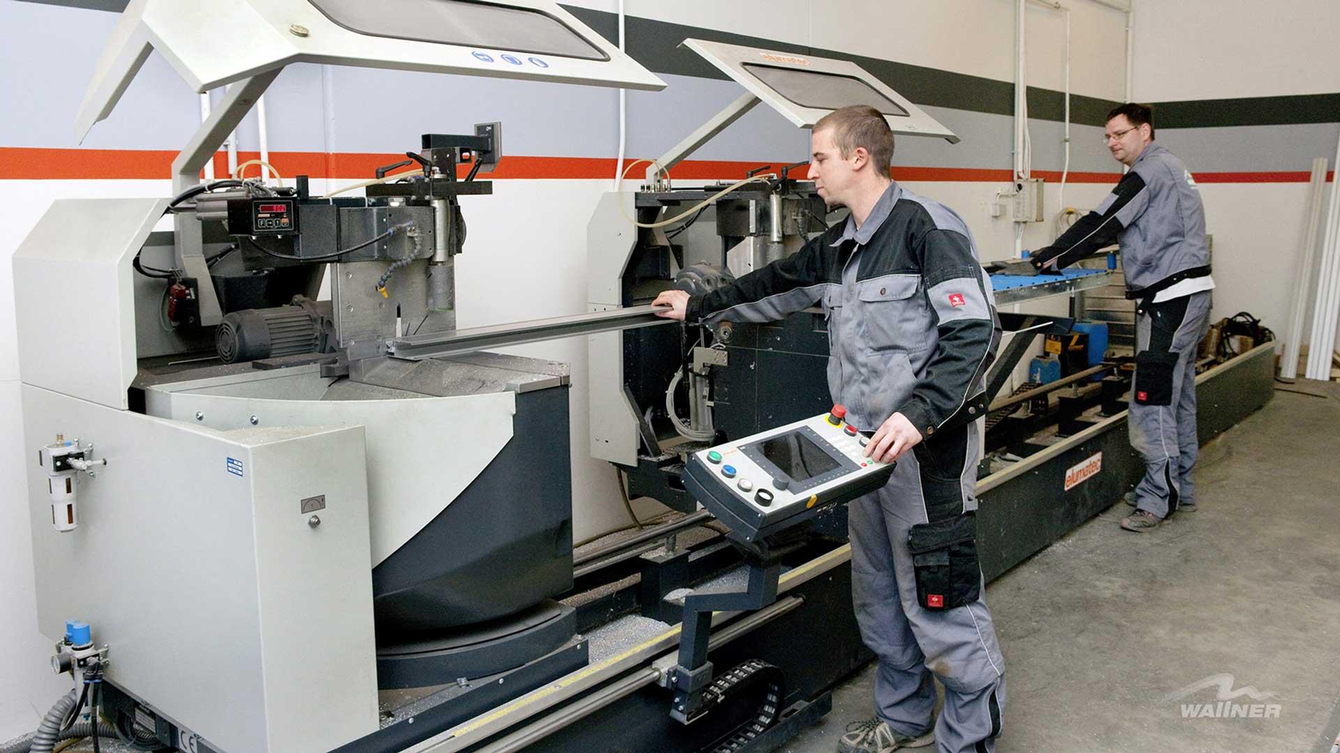 Maschine für die Produktion von Poolüberdachungen